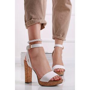 Bílé sandály na hrubém podpatku Brescello