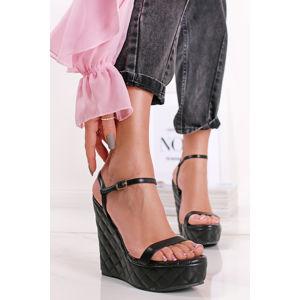 Černé prošívané platformové sandály Hannah